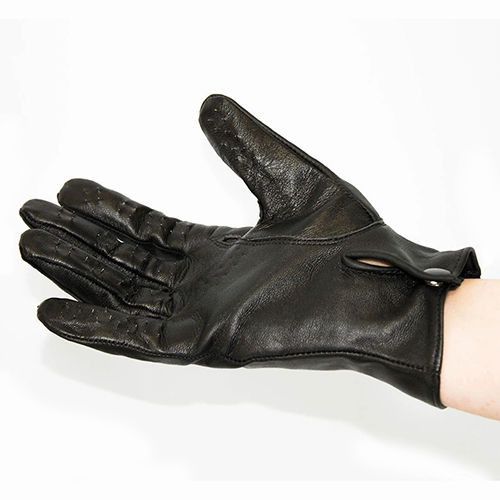 Vampire Gloves on Hand